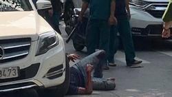 Nhóm côn đồ dùng gậy, xẻng đánh dã man 2 người đàn ông ở TP. HCM