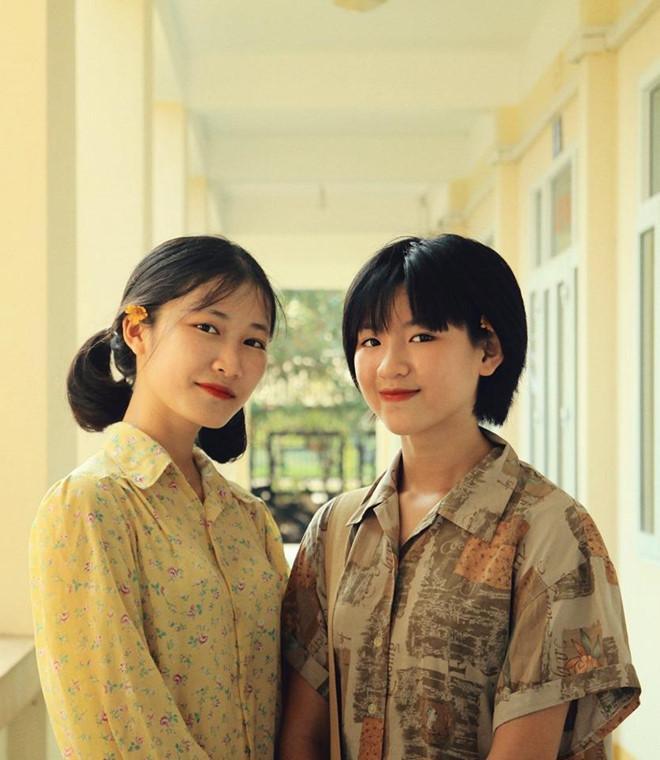 Thầy giáo Quảng Ninh chụp kỷ yếu cho học sinh theo phong cách hoài cổ-5