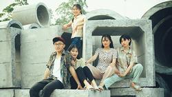 Thầy giáo Quảng Ninh chụp kỷ yếu cho học sinh theo phong cách hoài cổ