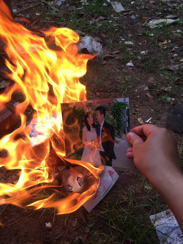 Xôn xao clip vợ đốt ảnh cưới như mớ rác sau ly hôn chỉ vì người thứ ba của chồng...-3