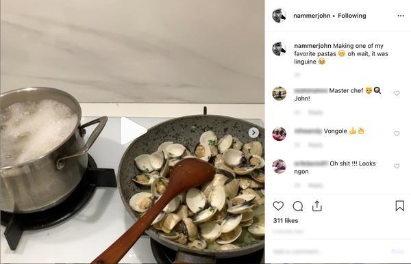 Mẹ bầu Lan Khuê hạnh phúc nhìn ông xã John Tuấn Nguyễn trổ tài vào bếp-2