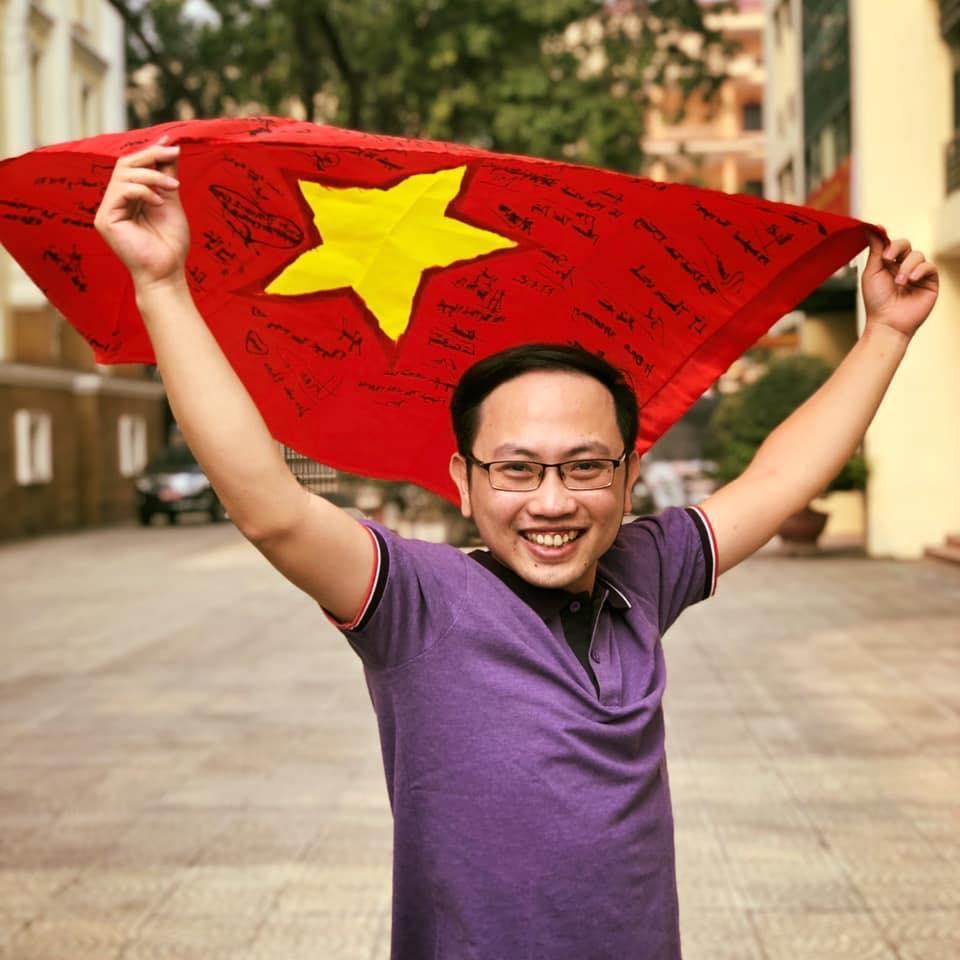 Chẳng phải soái ca, chàng trai sắp về chung một nhà với MC Phí Linh lại là người đàn ông quyền lực của VTV-6