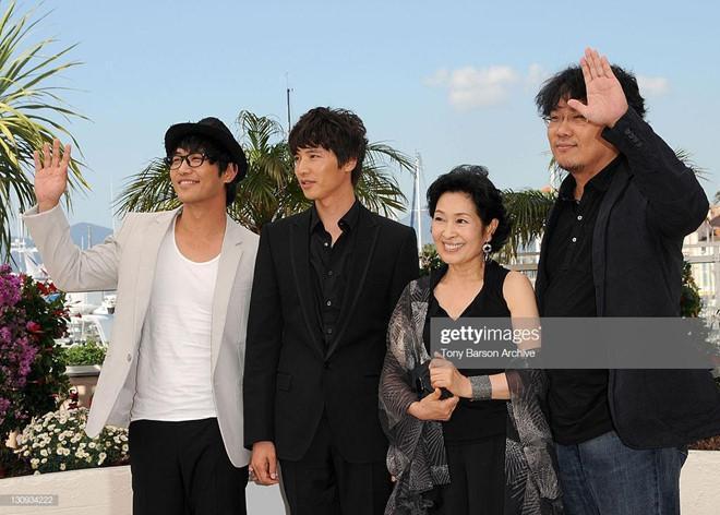 Đạo diễn phim đoạt Cành cọ vàng và Won Bin quấy rối diễn viên gạo cội?-2