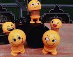 Giải mã cơn sốt lò xo mặt cười - món đồ chơi được người người, nhà nhà săn lùng mùa hè này