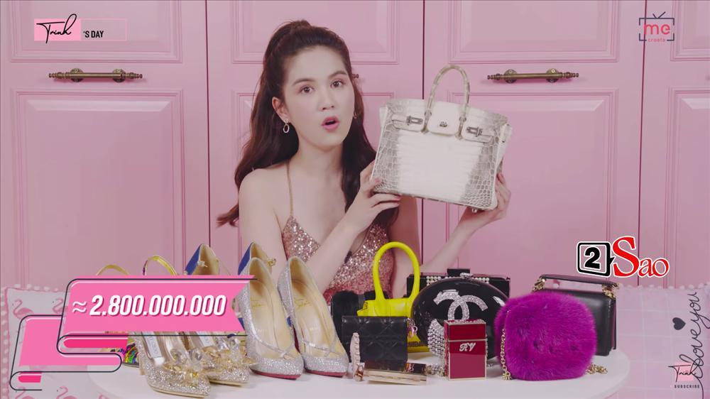 Ngọc Trinh khoe 4 đôi giày và những chiếc túi bé xíu đắt nhất trong tủ đồ mà tổng giá trị đã lên đến 4 TỶ ĐỒNG-1
