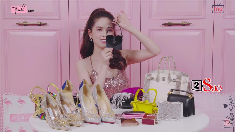 Ngọc Trinh khoe 4 đôi giày và những chiếc túi bé xíu đắt nhất trong tủ đồ mà tổng giá trị đã lên đến 4 TỶ ĐỒNG-10