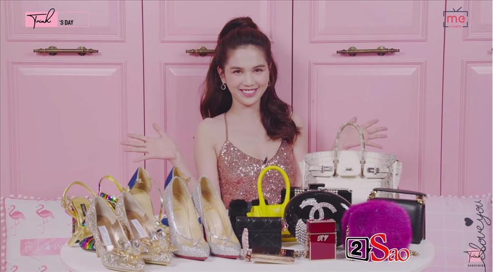 Ngọc Trinh khoe 4 đôi giày và những chiếc túi bé xíu đắt nhất trong tủ đồ mà tổng giá trị đã lên đến 4 TỶ ĐỒNG-17