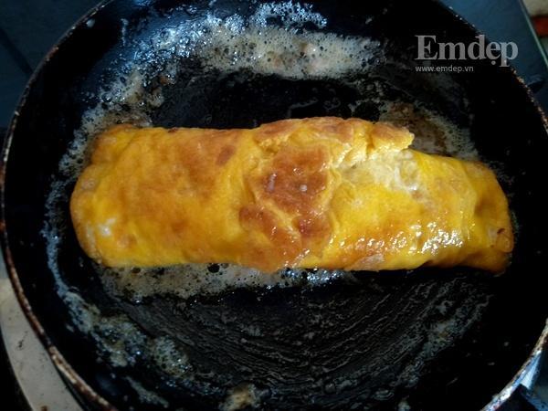 Trứng cuộn chà bông sốt mè rang đơn giản cả nhà xuýt xoa mãi-6