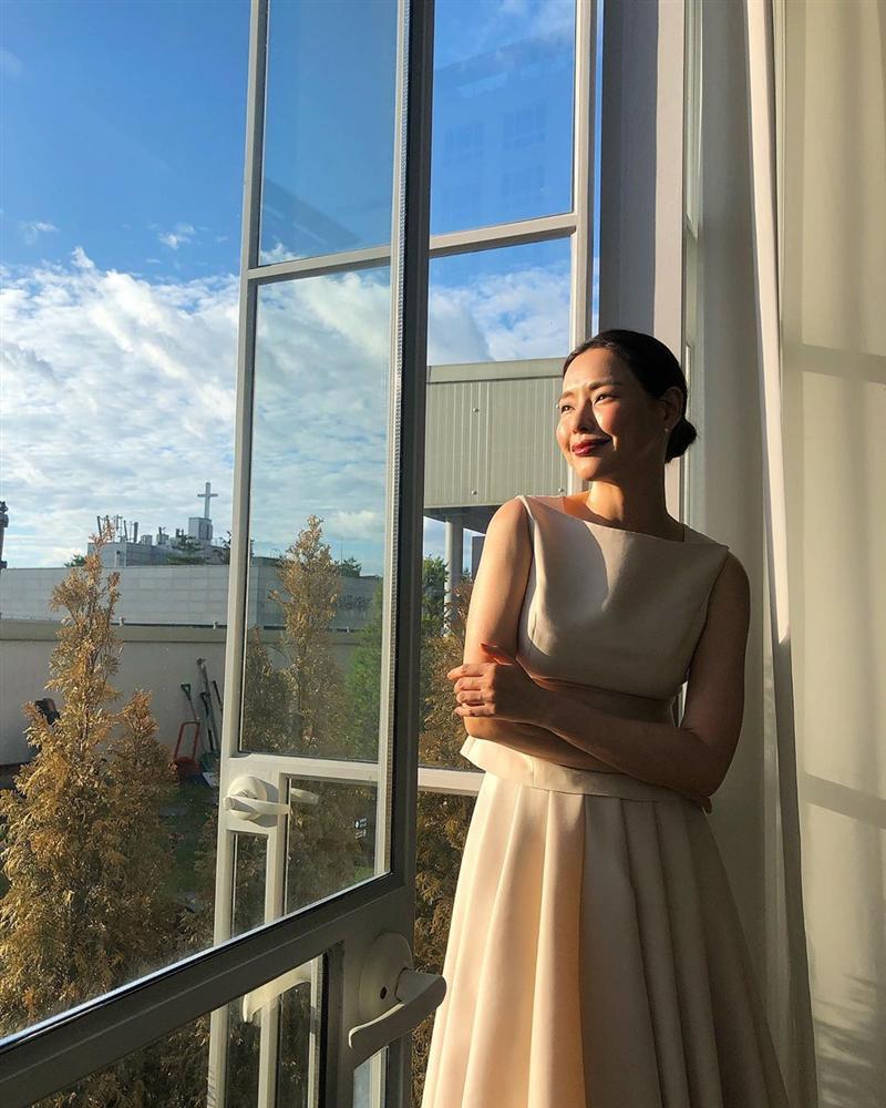 Bản tin Hoa hậu Hoàn vũ 8/6: Tóc tém là thương hiệu của HHen Niê nhưng có vẻ cô ấy đang dần mất chất-8
