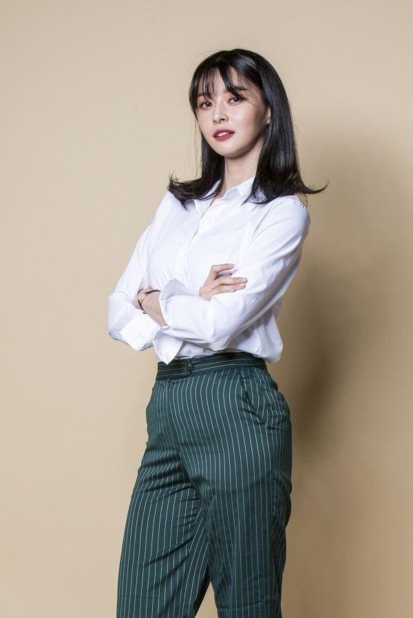 Chị đẹp Son Ye Jin khoe vẻ ngoài trẻ trung ngỡ ngàng ở tuổi 37-8