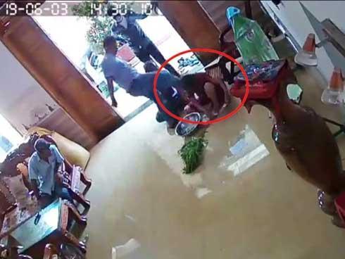 Người phụ nữ bị nhóm côn đồ hành hung ngay tại nhà-1