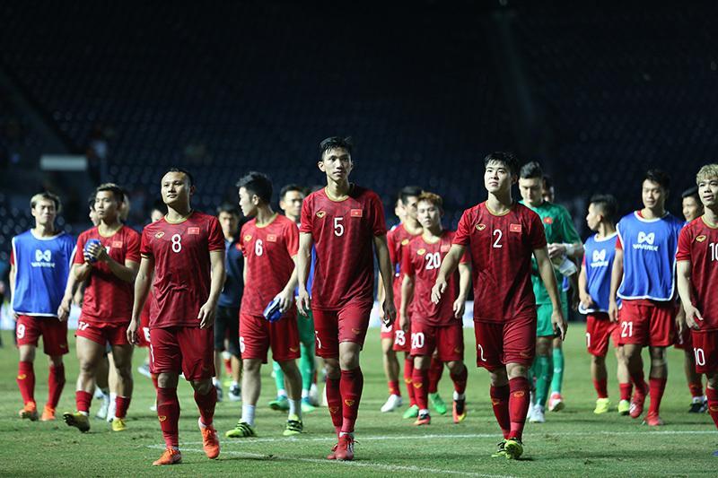 Tuyển Việt Nam thua chung kết: Đừng trách Công Phượng-2
