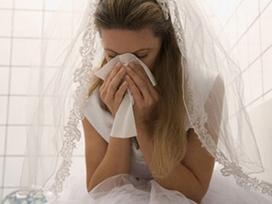 Đêm tân hôn, tôi bị chồng tát cháy má vì dòng chữ trên chiếc phong bì