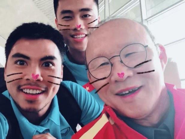 Loạt biệt danh chứng minh đội tuyển Việt Nam là một gia đình-2