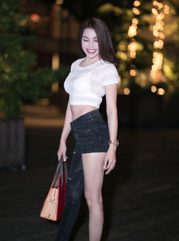 Hương Giang, Sơn Tùng mặc quần một mất một còn bị chê tơi tả nhưng HHen Niê lại được khen tới tấp-8