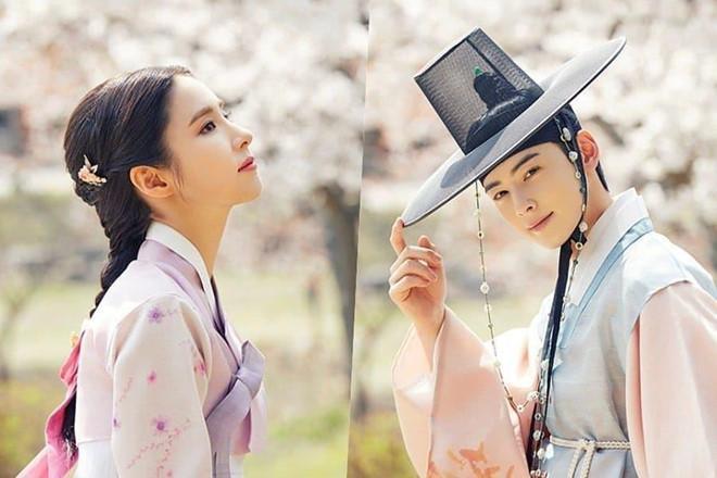 Mỹ nhân mặt đơ Shin Se Kyung đẹp thoát tục trong phim cổ trang mới-2