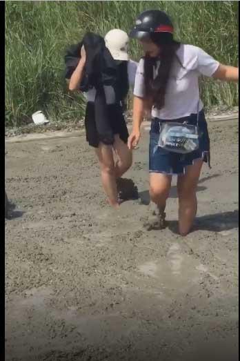 Clip: Ngán ngẩm nhìn 2 cô gái phóng xe đi mở đường, dân mạng phải thốt lên mắt chỉ để trang trí cho đẹp-4