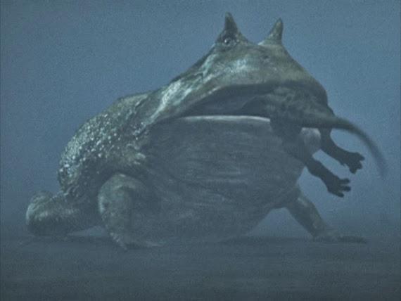 Bí ẩn về quái vật giữa hồ nổi tiếng nhất Trung Quốc-3
