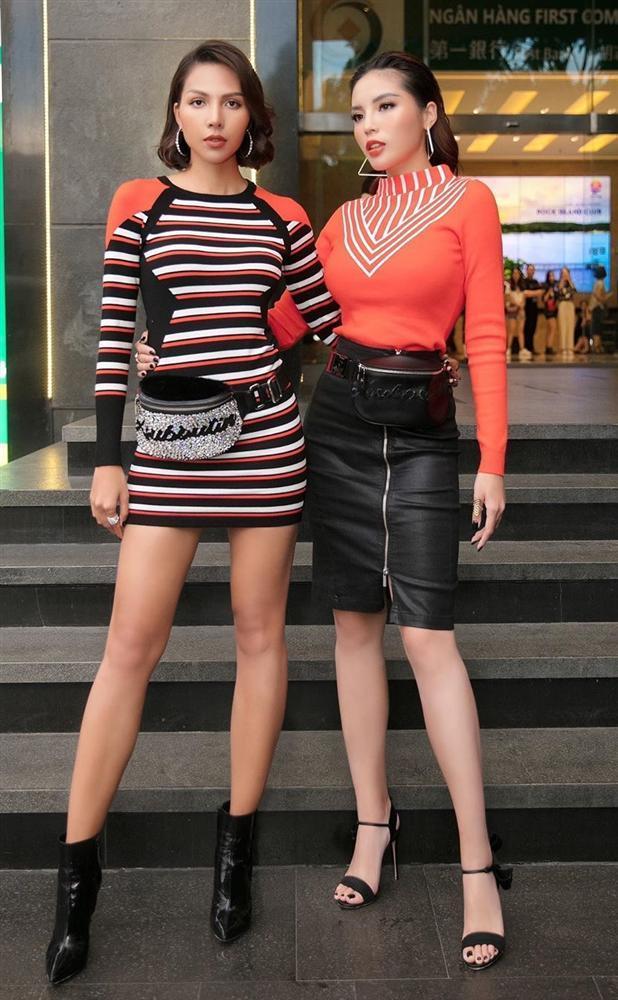 Hoa hậu Kỳ Duyên khiến fans xót xa với bàn tay bong tróc tơi tả vì bốc đất-6