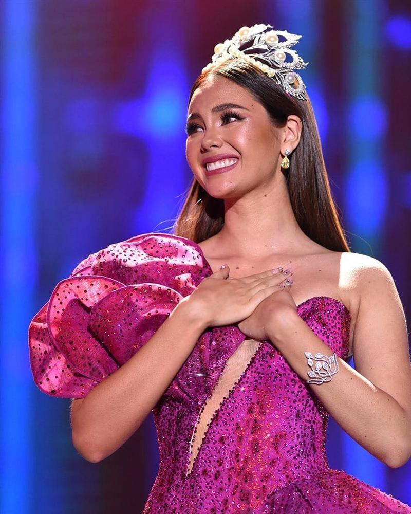 Hoa hậu Hoàn vũ đội vương miện fake, bị nghi đã làm hỏng vĩnh viễn tuyệt phẩm Mikimoto 6 tỷ đồng-2
