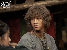 Mặc tranh cãi đạo nhái, phim mới của Song Joong Ki cán mốc rating cao nhất