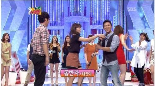 Những lần idol Kpop bị ném đá không trượt phát nào vì có thái độ lồi lõm, thô lỗ với đồng nghiệp-10