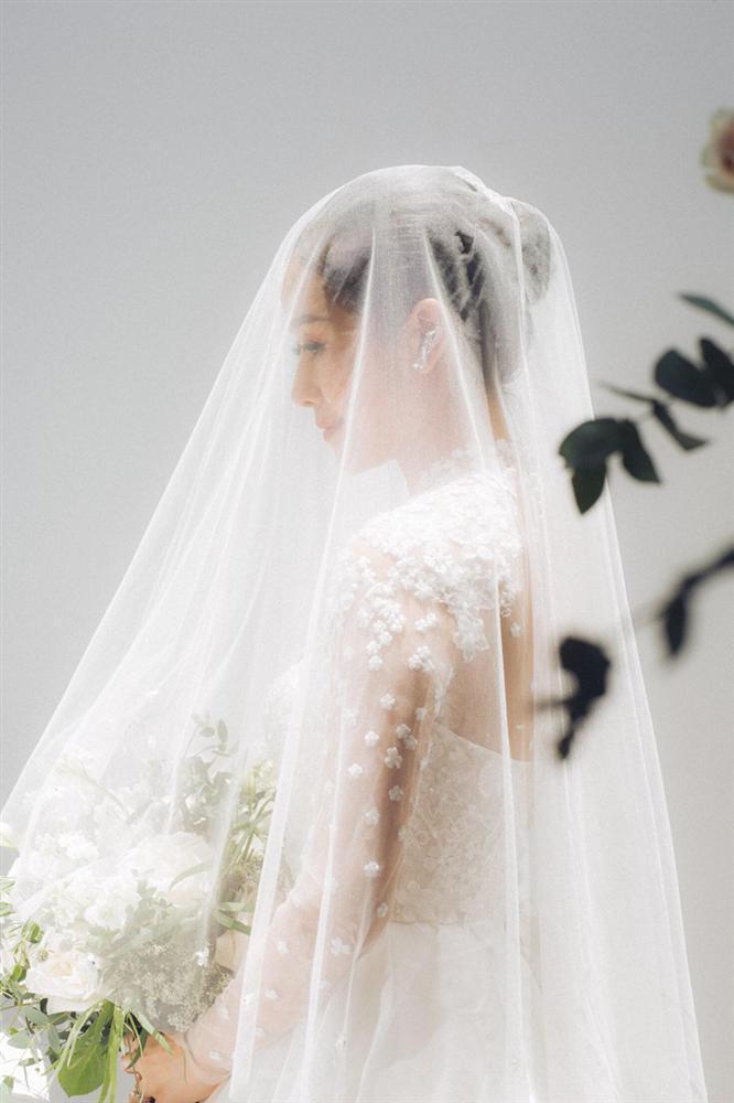 Khoe ảnh cưới đẹp không tì vết, MC đình đám VTV xác nhận theo chồng bỏ cuộc chơi nhưng vấn quyết giấu ảnh chú rể-5