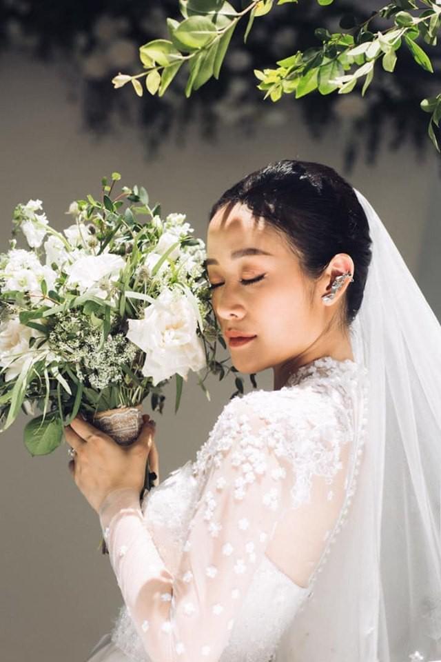 Khoe ảnh cưới đẹp không tì vết, MC đình đám VTV xác nhận theo chồng bỏ cuộc chơi nhưng vấn quyết giấu ảnh chú rể-4