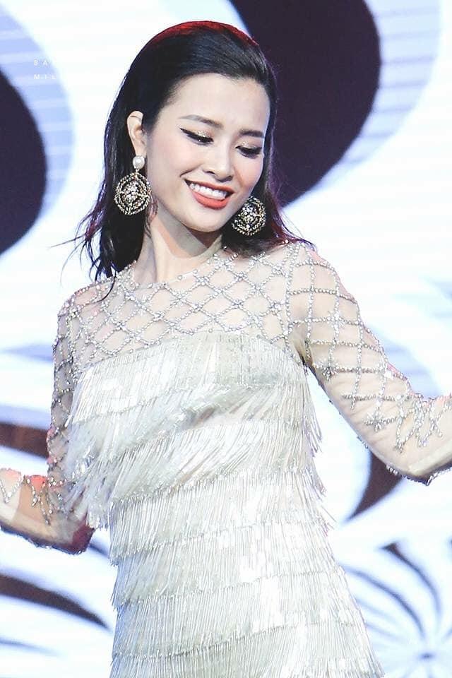 Đâu chỉ mặc xấu toàn tập, Đông Nhi cũng có những lần lên đồ đẹp xuất thần thế này-7