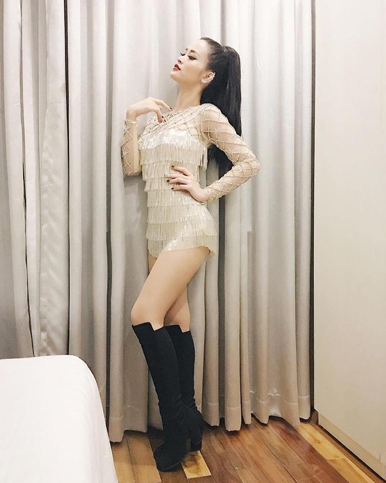 Đâu chỉ mặc xấu toàn tập, Đông Nhi cũng có những lần lên đồ đẹp xuất thần thế này-8