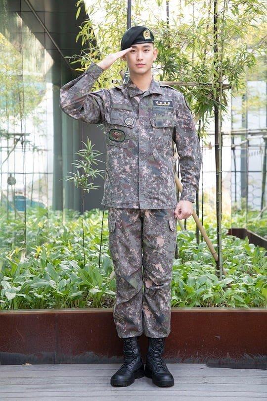Kim Tae Hee được khen đẹp xuất sắc chẳng khác nữ thần dù đang mang thai lần 2-3