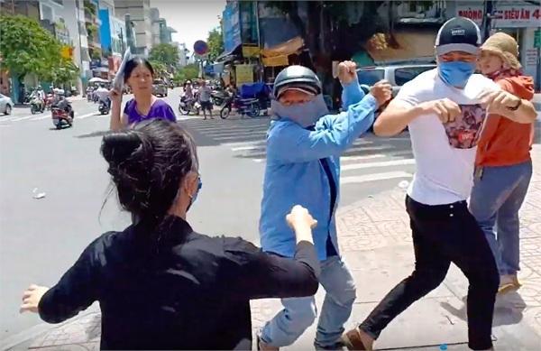Thái Vũ FapTV đăng status gây tranh cãi về vụ thánh livestream Lê Dương Bảo Lâm bị đánh khi phát cơm từ thiện-2