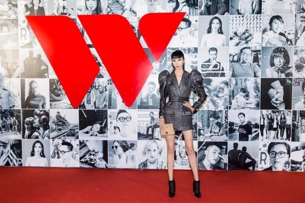 Sao Việt lăng-xê váy áo tay bồng lực sĩ: Chi Pu bị chê cô bé đô con - Bích Phương, Hồ Ngọc Hà lại được khen tới tấp-4