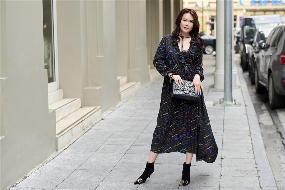 U50 trông sẽ chỉ như tuổi băm nếu áp dụng bí quyết thời trang của Mrs Vietnam 2018 Trần Hiền-2