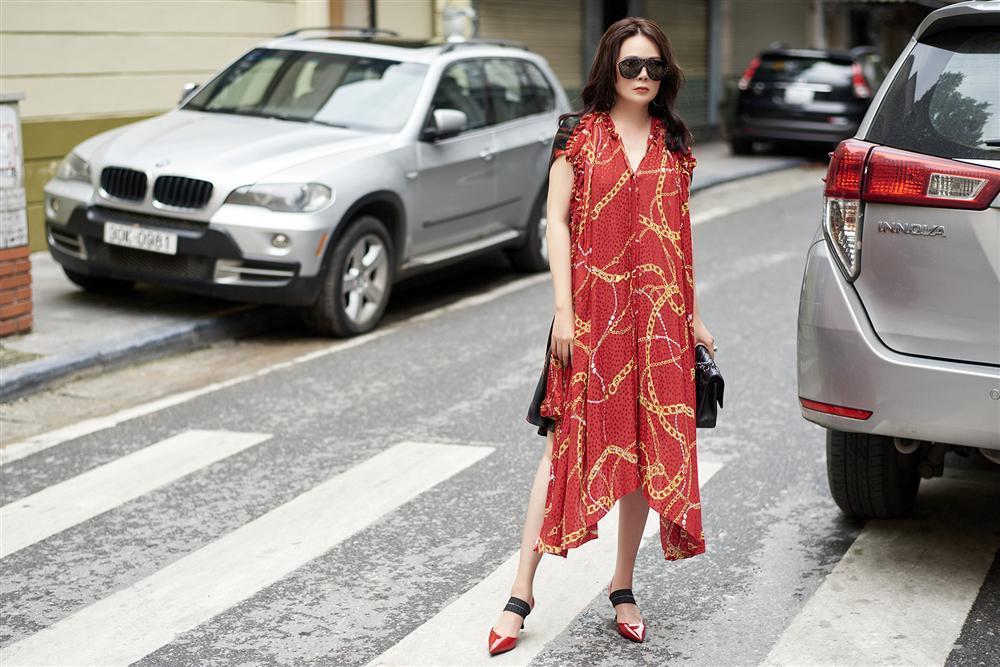 U50 trông sẽ chỉ như tuổi băm nếu áp dụng bí quyết thời trang của Mrs Vietnam 2018 Trần Hiền-3