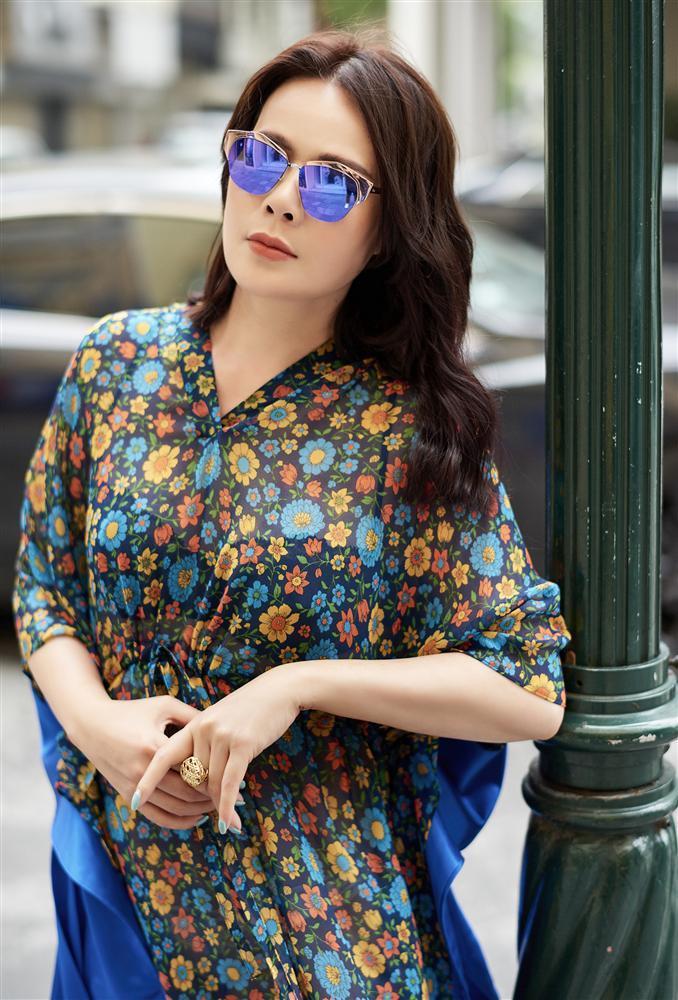 U50 trông sẽ chỉ như tuổi băm nếu áp dụng bí quyết thời trang của Mrs Vietnam 2018 Trần Hiền-4