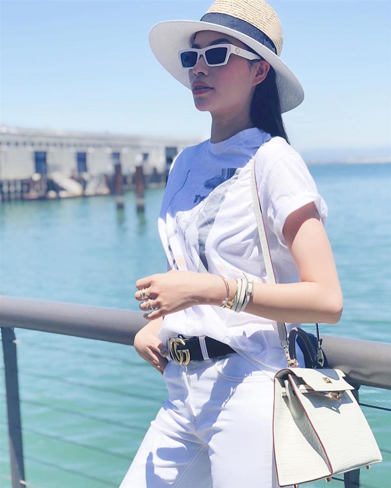 Bản tin Hoa hậu Hoàn vũ 12/6: Phạm Hương lên đồ xuất sắc chặt đẹp cô bạn thân ngày một đô con-1