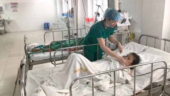 Xuất huyết nguy kịch, cô gái Campuchia được các bác sĩ Việt cứu sống-1
