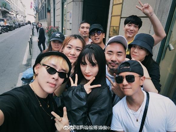 Fan đứng hình không nhận ra Dương Mịch khi cô đổi kiểu tóc, xuất hiện với style cực ngầu tại Milan-3