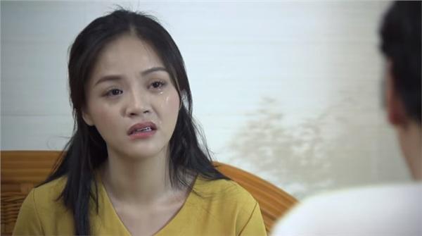 Huệ van xin ông Sơn đừng bán nhà đưa tiền cho Khải trong tập 44 Về Nhà Đi Con-4