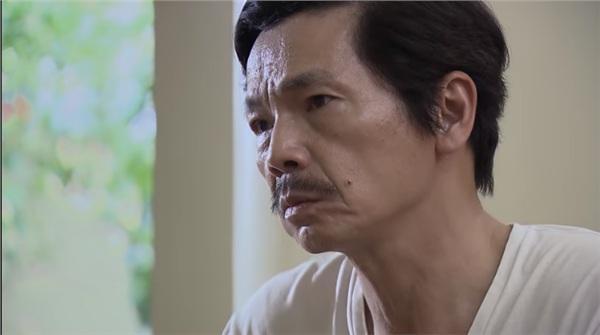 Huệ van xin ông Sơn đừng bán nhà đưa tiền cho Khải trong tập 44 Về Nhà Đi Con-3