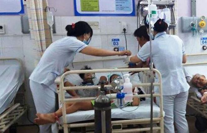 7 bà cháu hôn mê trong căn nhà ở Sài Gòn nghi do ngạt thở, 1 bé đã tử vong-3