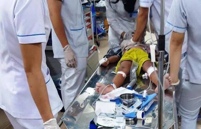 7 bà cháu hôn mê trong căn nhà ở Sài Gòn nghi do ngạt thở, 1 bé đã tử vong-4
