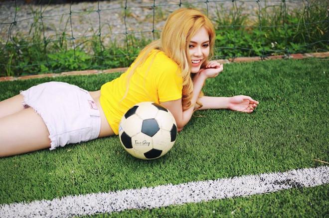 Hotgirl World Cup: Kẻ tham gia đóng phim, người tự so với Chi Pu-10
