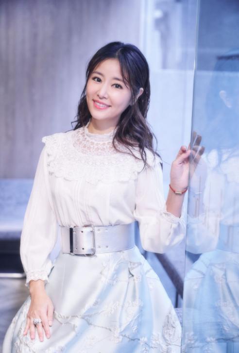 Bắt ngay trend tóc ngang vai nhưng ngoại hình Tâm Như không có sự đột phá như chị em showbiz-3
