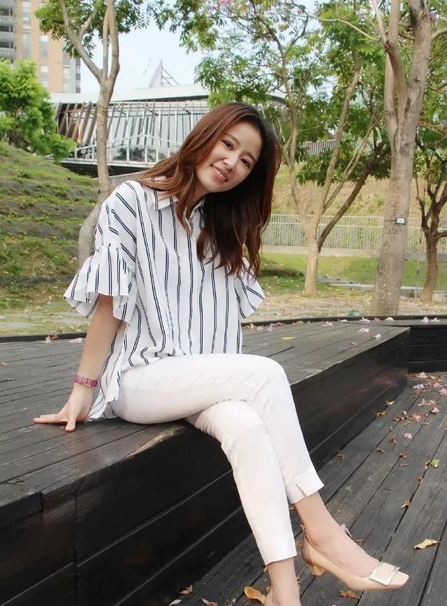 Bắt ngay trend tóc ngang vai nhưng ngoại hình Tâm Như không có sự đột phá như chị em showbiz-5