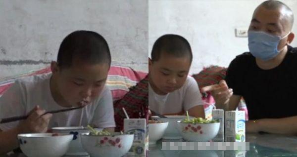 Câu chuyện cậu bé ăn 5 bữa mỗi ngày để tăng cân cứu mạng cha bệnh nặng lay động hàng triệu trái tim-1