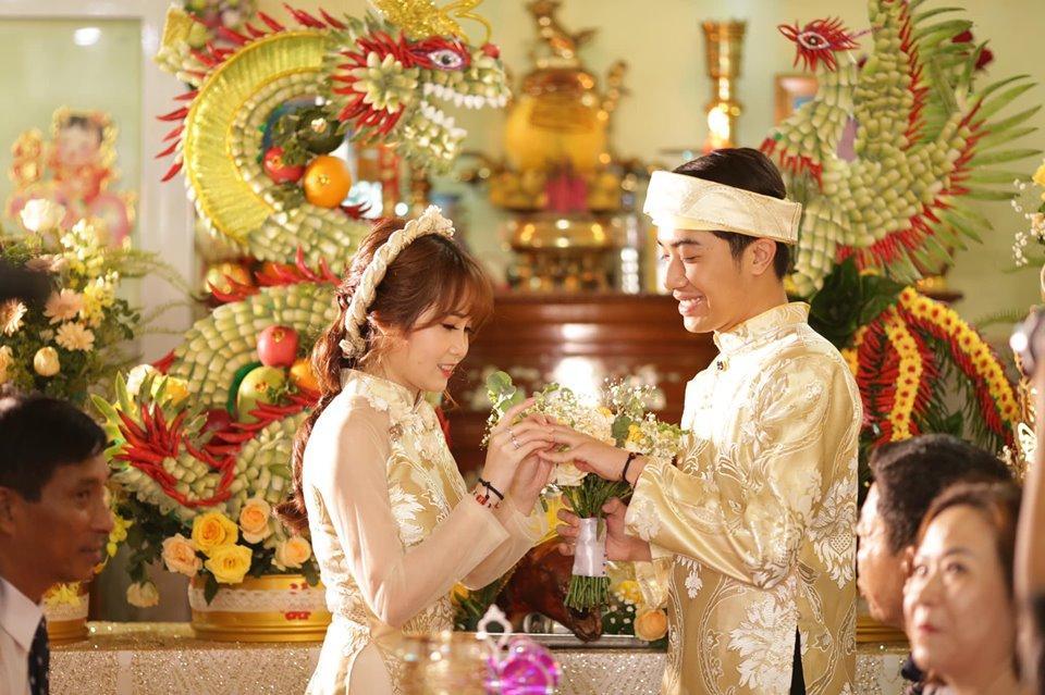 2 ngày trước đám cưới, Cris Phan khiến ai cũng hoang mang khi đăng ảnh cùng Mai Quỳnh Anh rồi phát ngôn sốc: Chọc chó cực mạnh-1