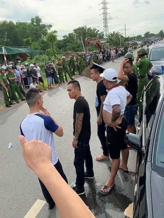 Giang hồ bao vây công an ở Biên Hòa: Nhân chứng tại nhà hàng nói gì?-1