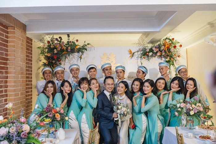 MC Phí Linh mặc áo dài thập niên cũ, e ấp bên ông xã Phó trưởng phòng VTV4 trong lễ ăn hỏi-4